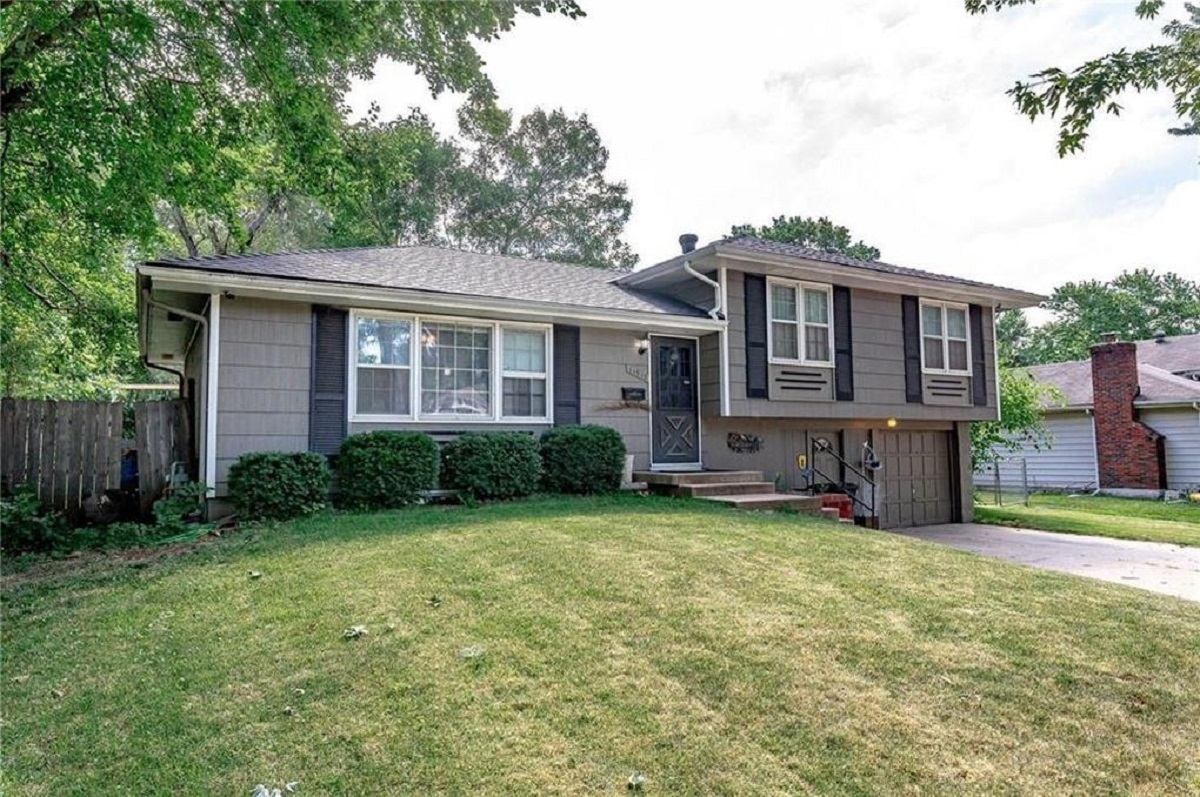 11913 armitage dr featured image